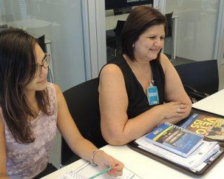 Prefeita de Canápolis visita CNM e aproveita para tirar dúvidas com os técnicos